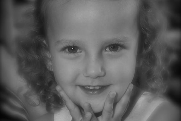 00_-_Cute_Little_Girl