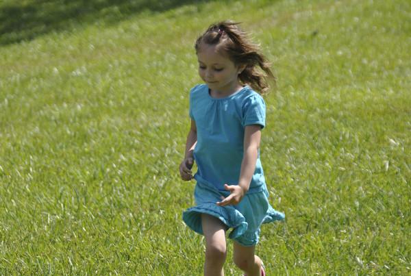 00_-_Girl_Running